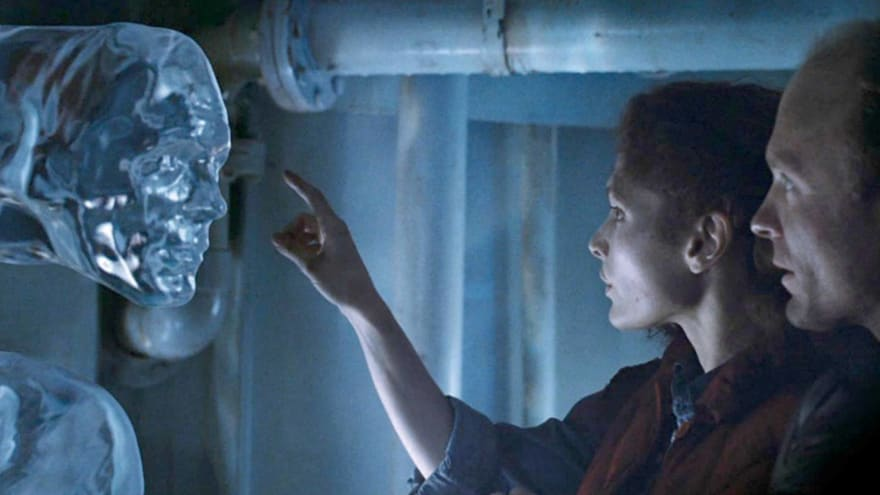 """How James Cameron found himself at the bottom of """"The Abyss ..."""