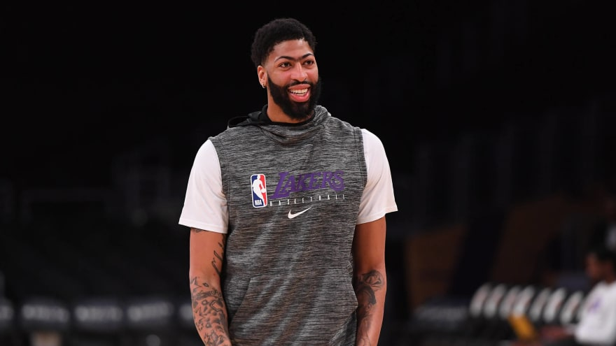 Lakers Star Anthony Davis Sporting Aaron Rodgers Jersey At