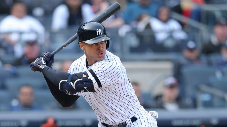 Giancarlo Stanton 'getting close' to joining Yankees
