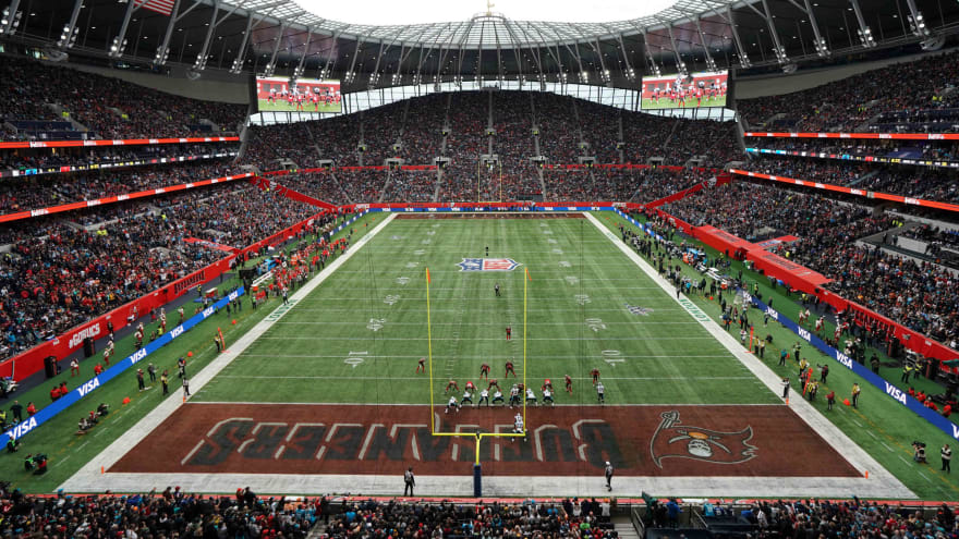 Watch: Panthers attempt rare fair catch kick against Bucs in London