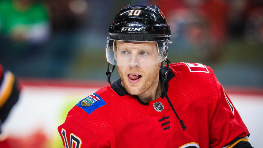 Kris Versteeg expected to sign in KHL