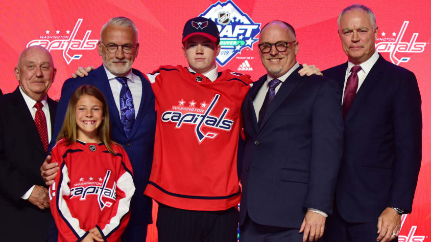 Capitals send first-round pick Connor McMichael back to OHL