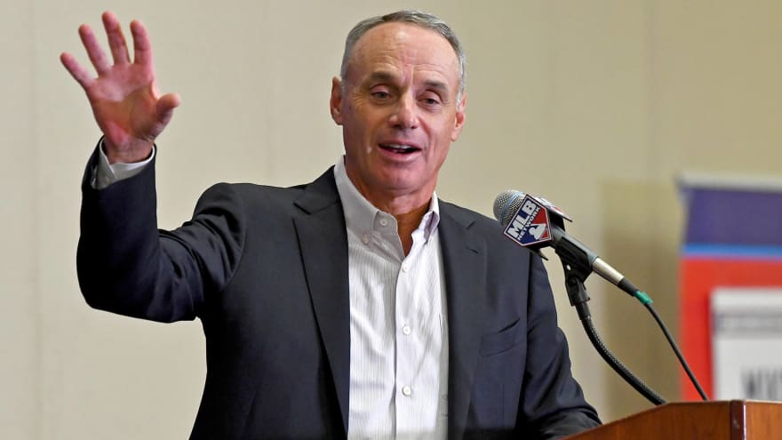 Rob Manfred issues veiled threat to MLBPA discussing possible stoppage