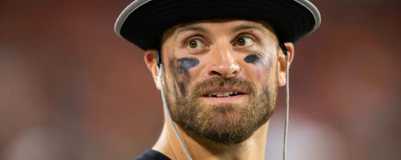 Eagles  Chris Long again pledges portion of NFL salary to charity 69e658a5b