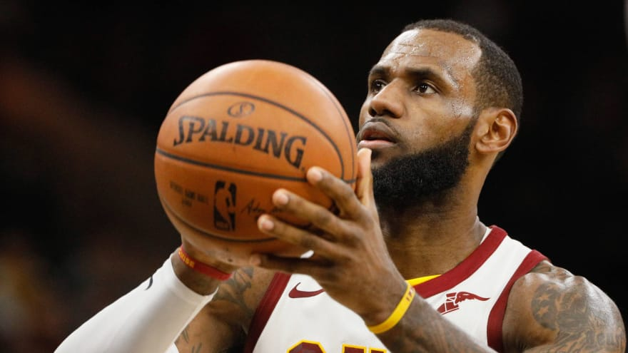 51e5558c75d3 LeBron James reportedly upset Cavs didn t land Paul George and Eric Bledsoe