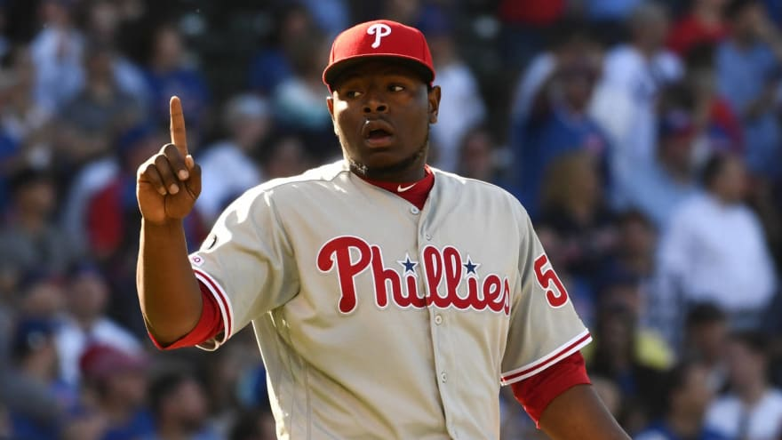 Dodgers take issue with Hector Neris staring into dugout after save