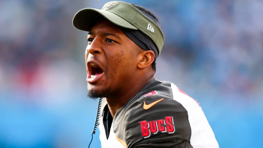 Watch: Jameis Winston got into heated argument with his center on sideline