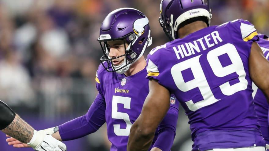Vikings re-sign Dan Bailey