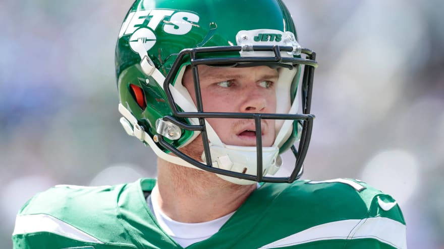 Report: Jets' Sam Darnold could be out more than a month with mono
