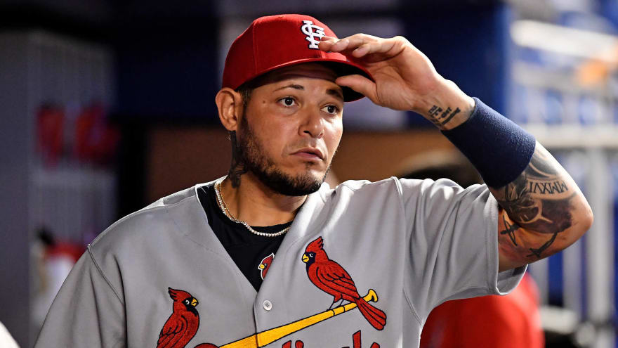 Cardinals catcher Yadier Molina lands on 10-day IL with thumb injury