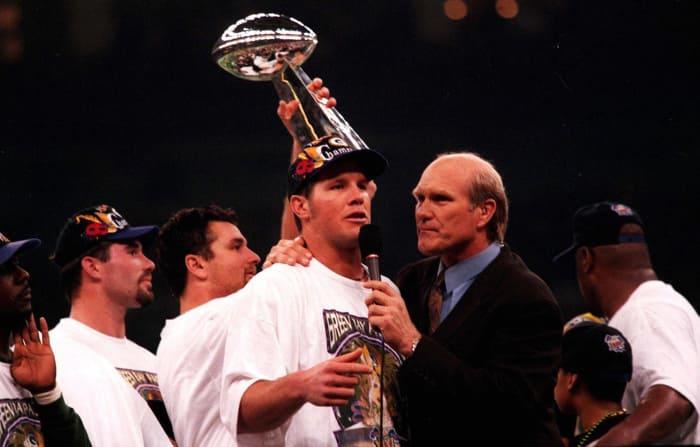 Super Bowl XXXI: Brett Favre, Green Bay Packers, and Drew Bledsoe, New England Patriots