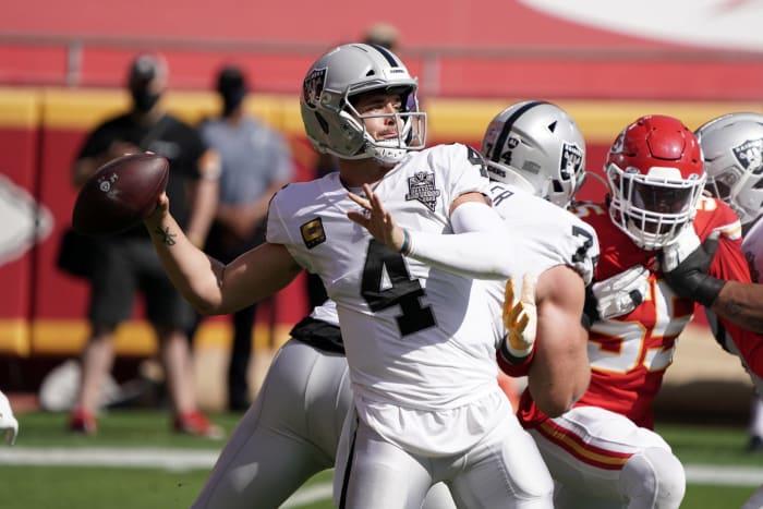 Raiders waltz into Arrowhead and rip the Chiefs