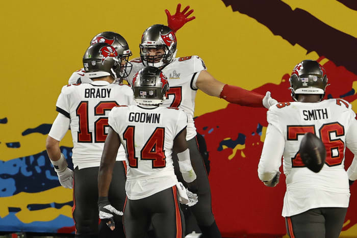 Bucs newcomers deliver in home Super Bowl