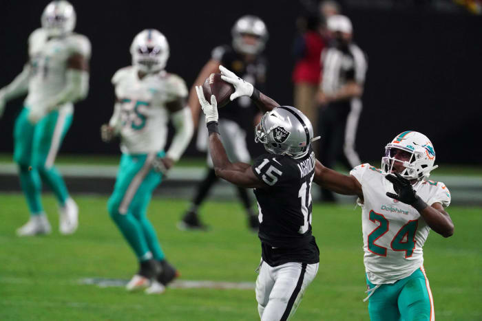 Nelson Agholor a bright spot for sinking Raiders