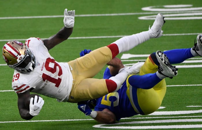 Deebo helps 49ers stay in playoff race