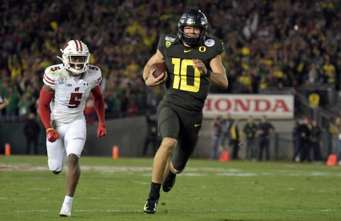Jan 1: Herbert leads Oregon to Rose Bowl win