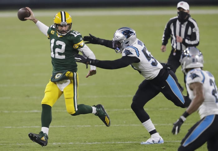Pass rushers dim Aaron Rodgers' MVP crusade