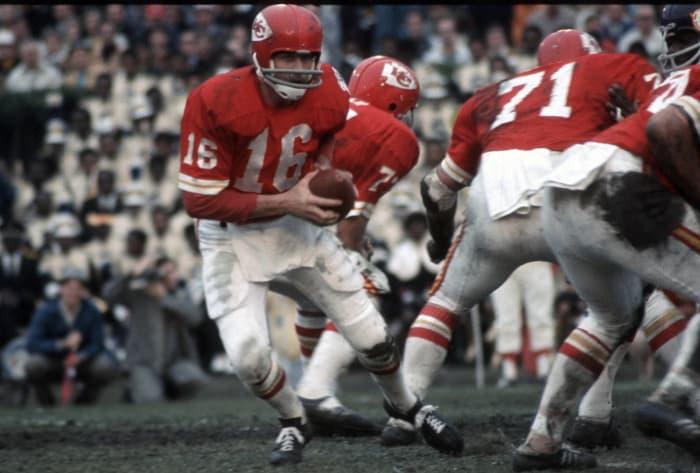 Super Bowl IV: Len Dawson, Kansas City Chiefs, and Joe Kapp, Minnesota Vikings