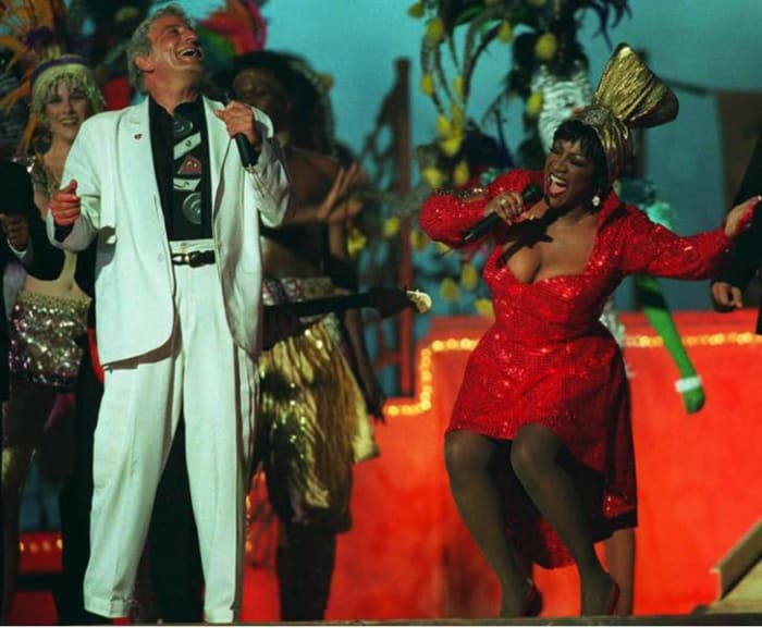 Super Bowl XXIX halftime show - Tony Bennett and Patti LaBelle