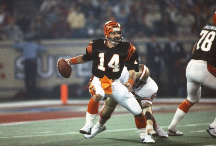 Super Bowl XVI: Joe Montana, San Francisco 49ers, and Ken Anderson, Cincinnati Bengals